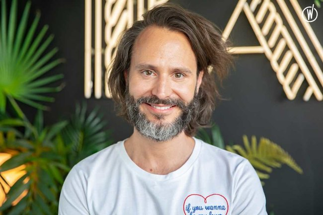 Rencontrez Bertrand, Chief Marketing Officer CMO - BAM Karaoke Box