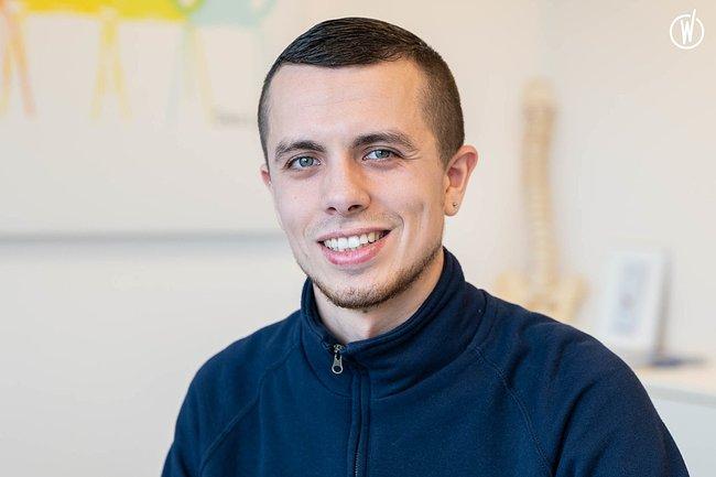 Rencontrez Nicolas, Gestionnaire des Ventes  - Equilibre Ergonomie & Aménagement