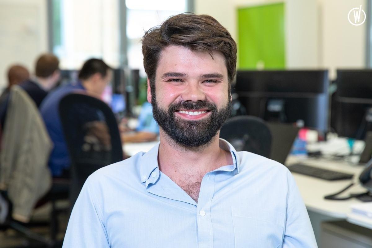 Rencontrez Oscar, Directeur Système d'Information - RENT A CAR