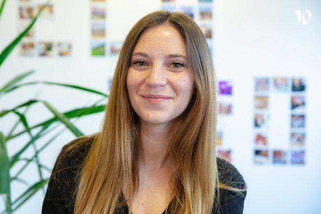 Rencontrez Jessica, Chargée de relation Clients & Communication - HITECHPROS