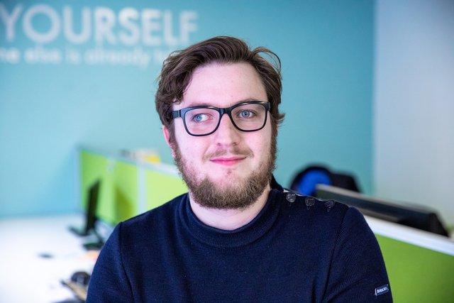 Rencontrez Adrien, Consultant Cloud DevOps - Devoteam Revolve