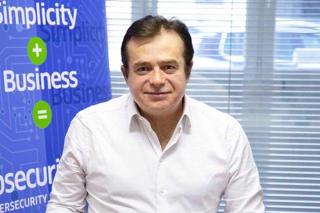 Rencontrez Nicolas, Developer senior - OGO SECURITY