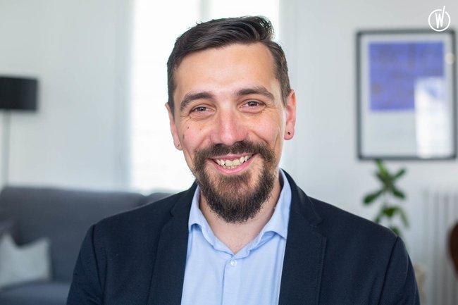 Rencontrez Clément, Directeur de l'agence digitale   - Jouve