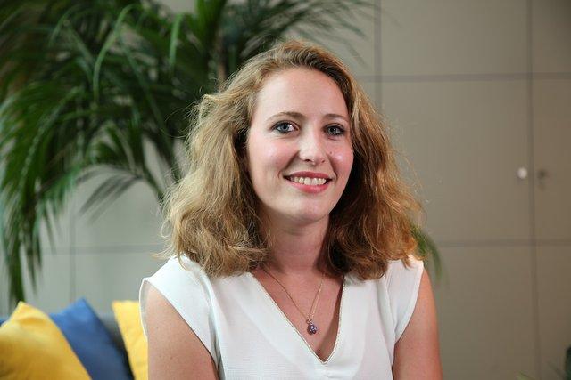 Rencontrez Laure, Business Analyst Chiffre d'affaires - CANAL+ Group