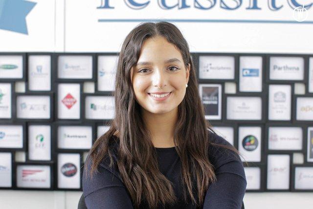 Rencontrez Assia, Ingénieure Commerciale - e2Time.com