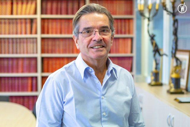 Rencontrez Alain, Président-Directeur général et directeur des publications - Global Media Santé