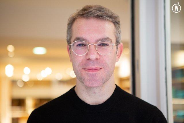 Rencontrez Sébastien, Responsable de Boutique volant - ERIC BOMPARD