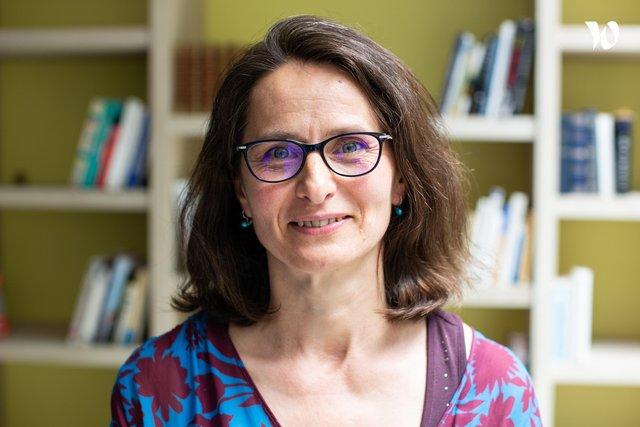 Rencontrez Mirela, Pharmacien Responsable Terminologies - VIDAL