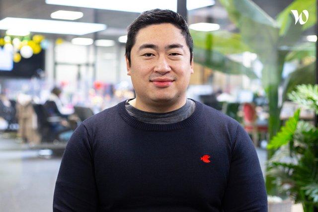 Rencontrez Johnny, Directeur Général  - Paris Fashion Shops