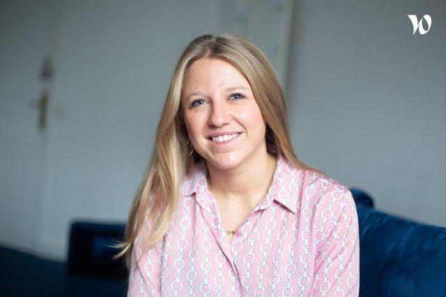 Rencontrez Charlotte, Responsable du bien-être et du recrutement - Publimag