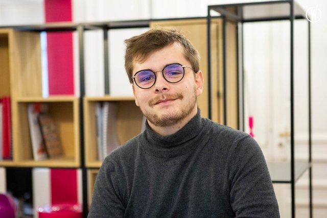 Rencontrez Pierre, Consultant junior Relations-Médias - Auvray & Associés