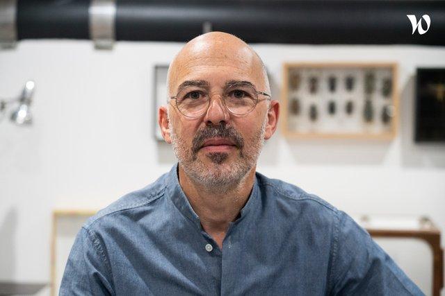 Rencontrez Elie, CEO et Directeur Artistique - Centdegres