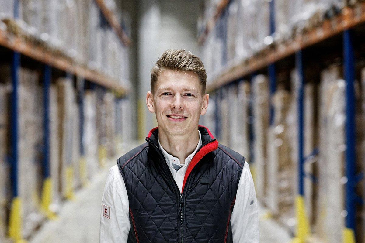 Peter Friedl, Vedúci zmeny skladu technického/spotrebného materiálu - Kaufland