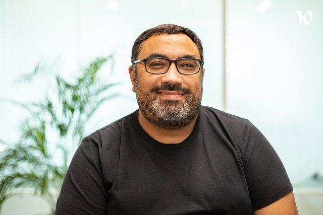 Rencontrez Elhadi, CTO - TOTAL DIGITAL FACTORY