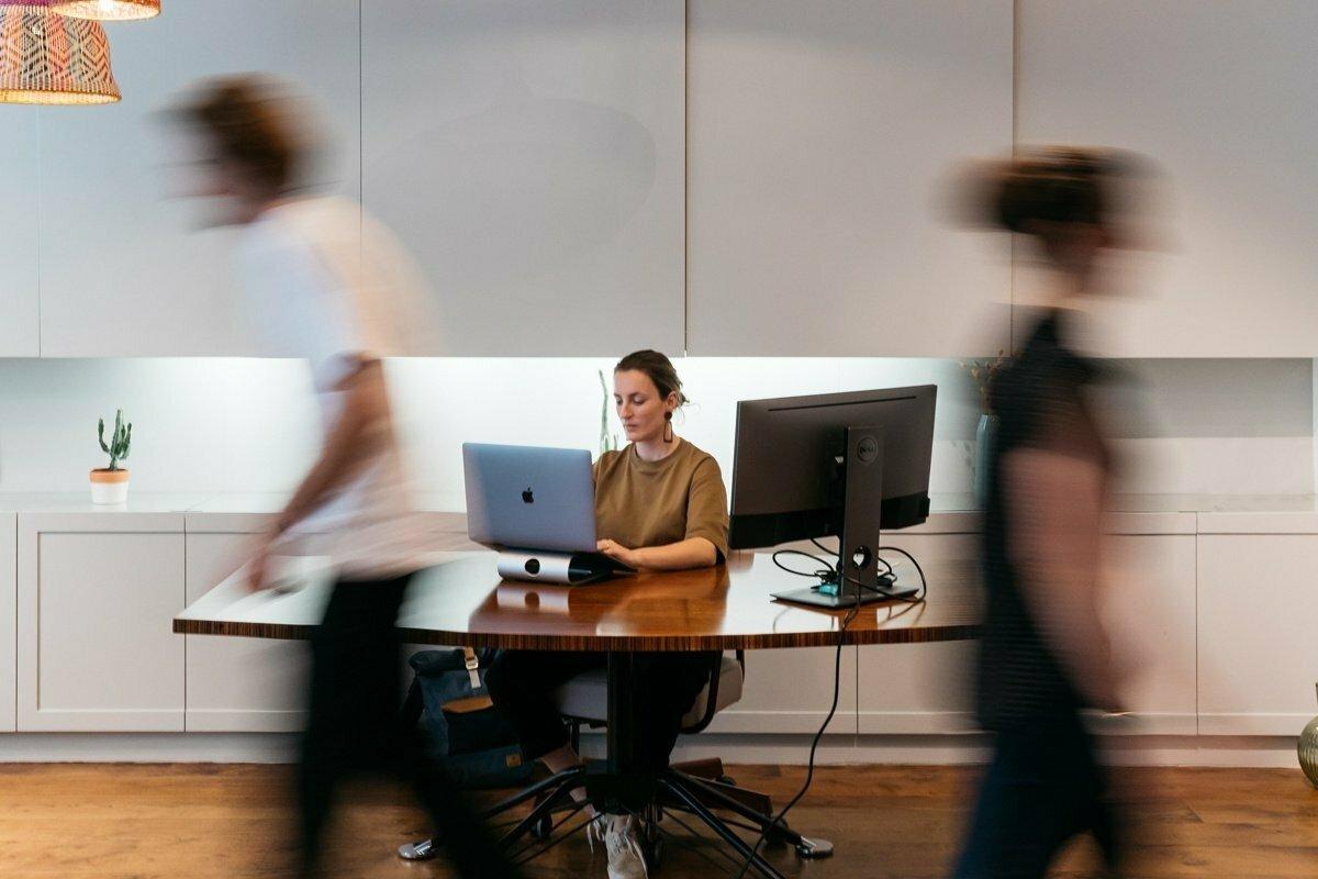 "Ser ""indispensable"" en tu trabajo: ¿un freno para tu evolución?"