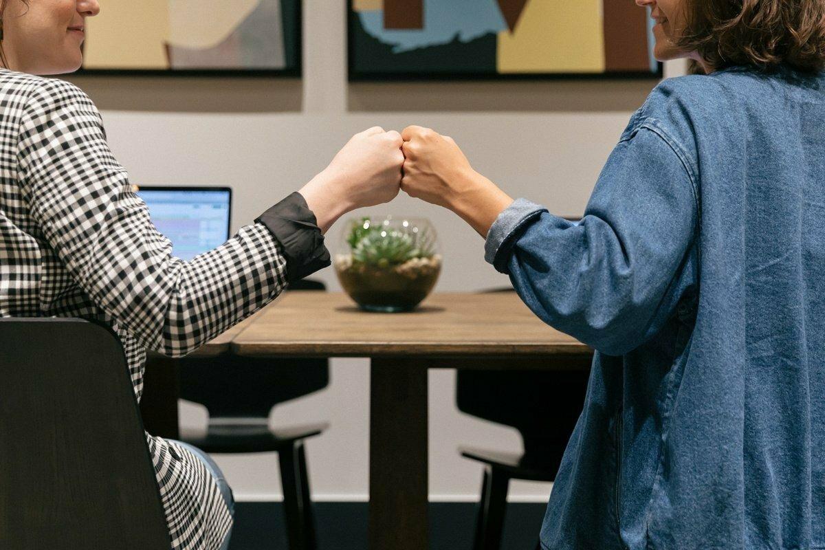 10 tipů, jak vybudovat v týmu vztah založený na důvěře