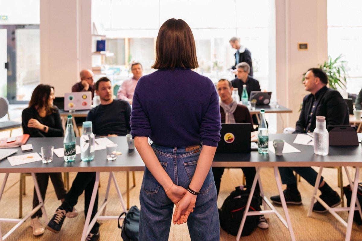 Cómo destacar tu trabajo en la empresa sin parecer arrogante