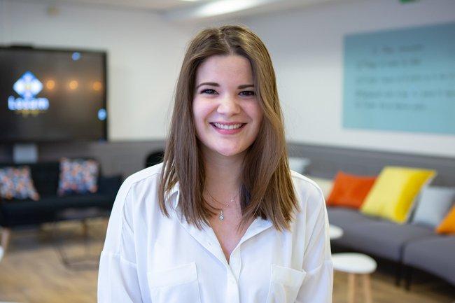 Rencontrez Cloé, Stagiaire Assistante Chef de Projet - LOSAM AGENCY