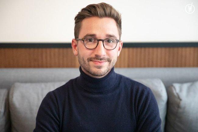 Rencontrez Emmanuel, Pharmacien Responsable de production - HO KARAN