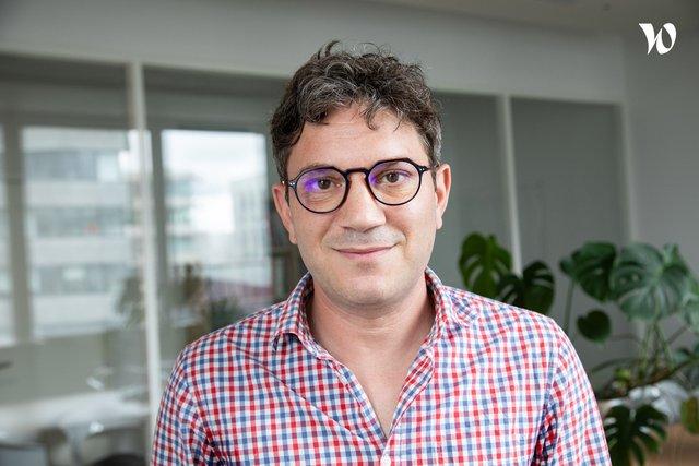 Rencontrez Nicolas, Directeur Général - Reportlinker