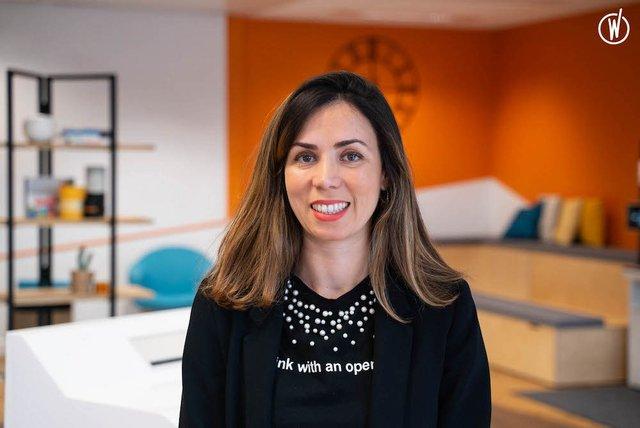 Rencontrez Leila, Chef de projet télé et Country Manager pour Orange Pologne - Orange