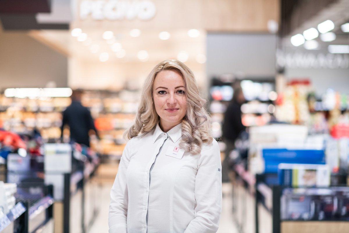 Jana Lopez Fonseca, Vedúca obchodného domu - Kaufland