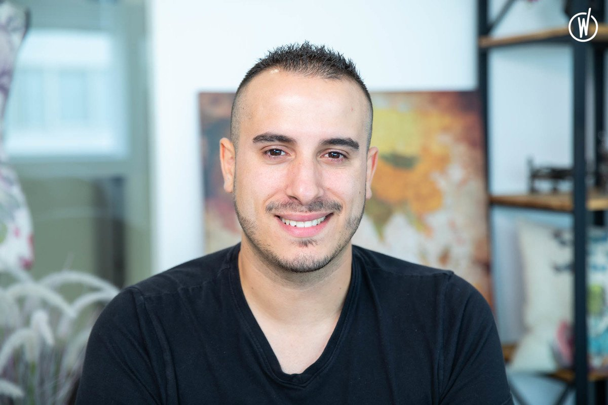 Rencontrez Hugo, Conseiller client niveau 1 - CompuGroup Medical France