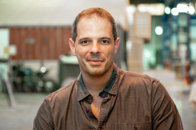 Rencontrez Xavier, Responsable des développement réseau manufacture - MAKE ICI