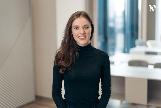 Anna, Junior konzultantka, Strategie a transakce - EY Česká republika