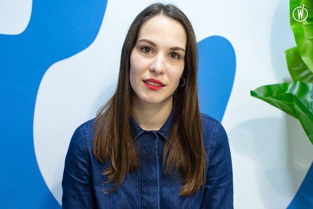Rencontrez Juliette, Responsable du pôle SEA / SMA - SLAP digital
