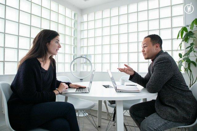Nos 10 conseils pour réussir un entretien d'embauche et avancer en processus de recrutement - Linkvalue