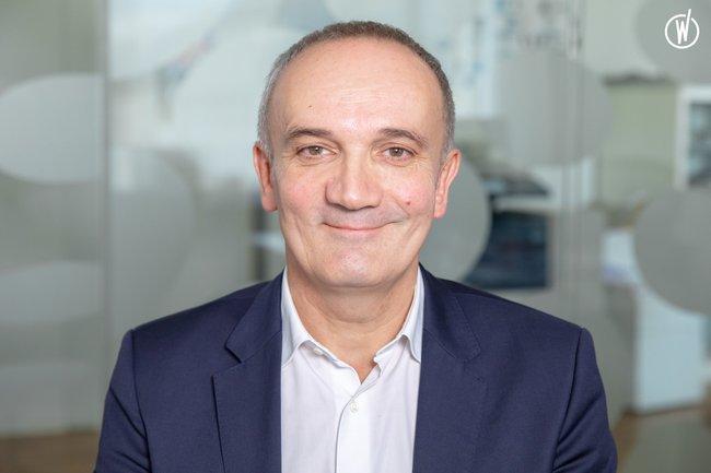 Rencontrez Jean Luc, Adjoint au Directeur de l'Information et Directeur - Agence France-Presse