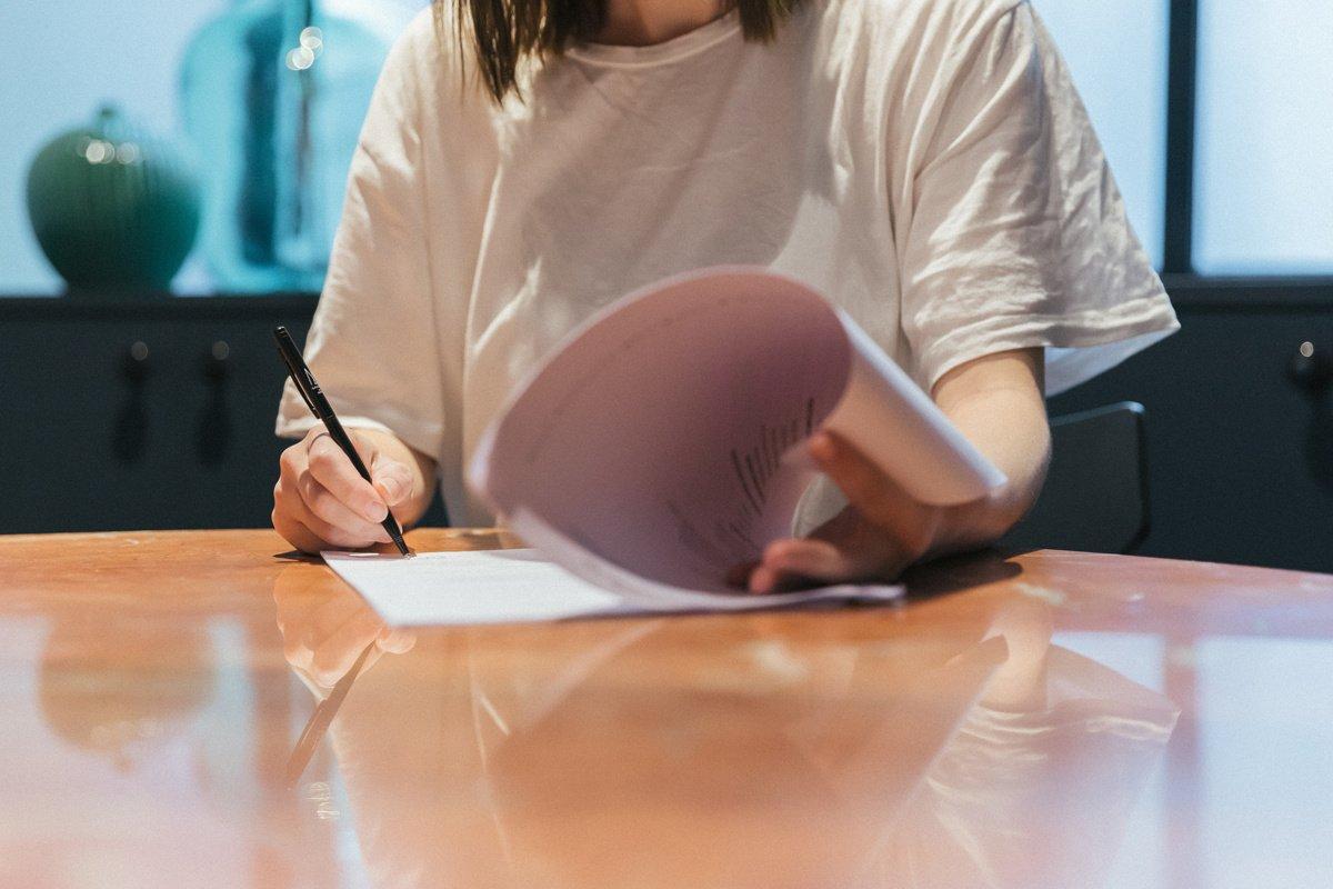 Signature de son premier contrat d'embauche : conseils