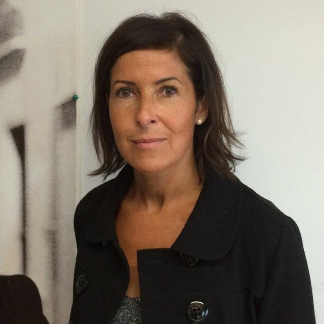 Rencontrez Ahlem, directrice des achats hors programmes - France Télévisions