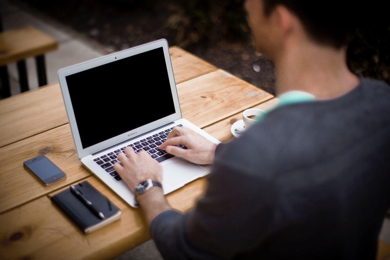 Příčíny, následky a řešení syndromu znudění v práci