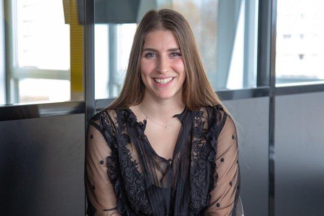 Rencontrez Emma, Assistante Marketing digital - Recrutimmo