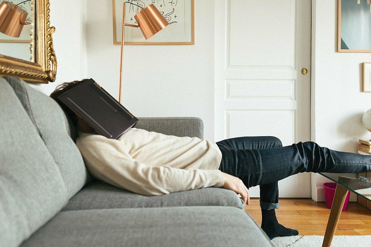 Jak při práci z domova nepropadnout zimní depresi