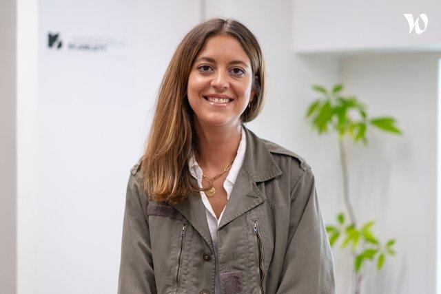Rencontrez Clémence , Directrice de clientèle  - Mademoiselle Scarlett - Groupe Makheia