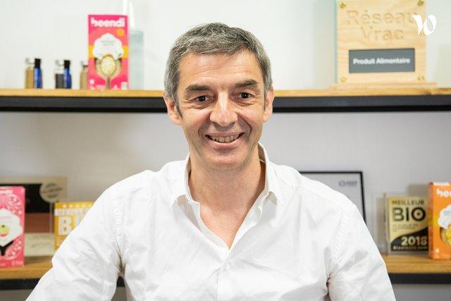 Rencontrez Alain, Président - beendi | beedeli
