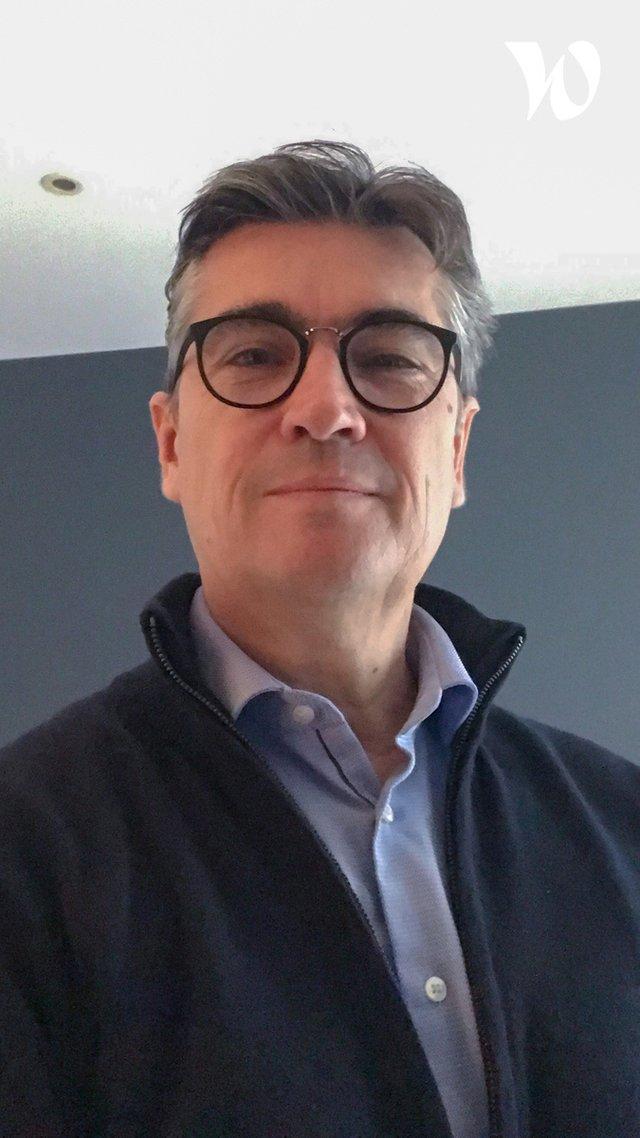 Rencontrez Laurent, Directeur général - Pôle EMC2