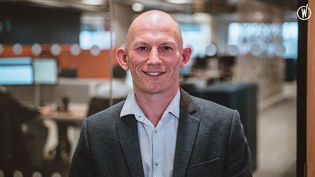 Rencontrez Adam, Directeur Transformation & QMS - Quadient
