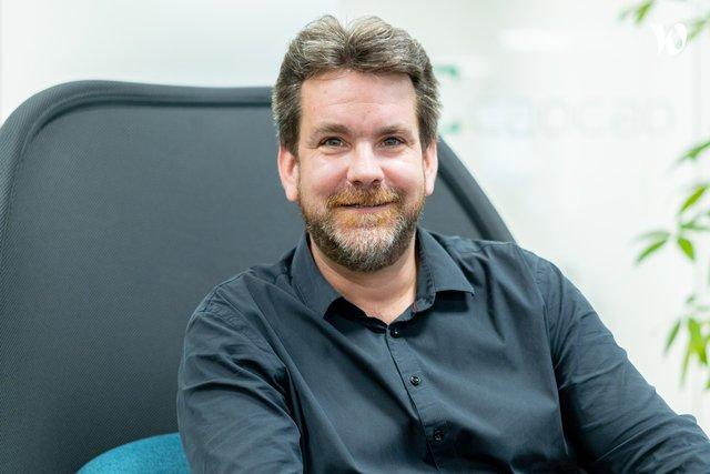 Rencontrez Sébastien, Responsable du Développement Commercial - Caocao Mobility Paris