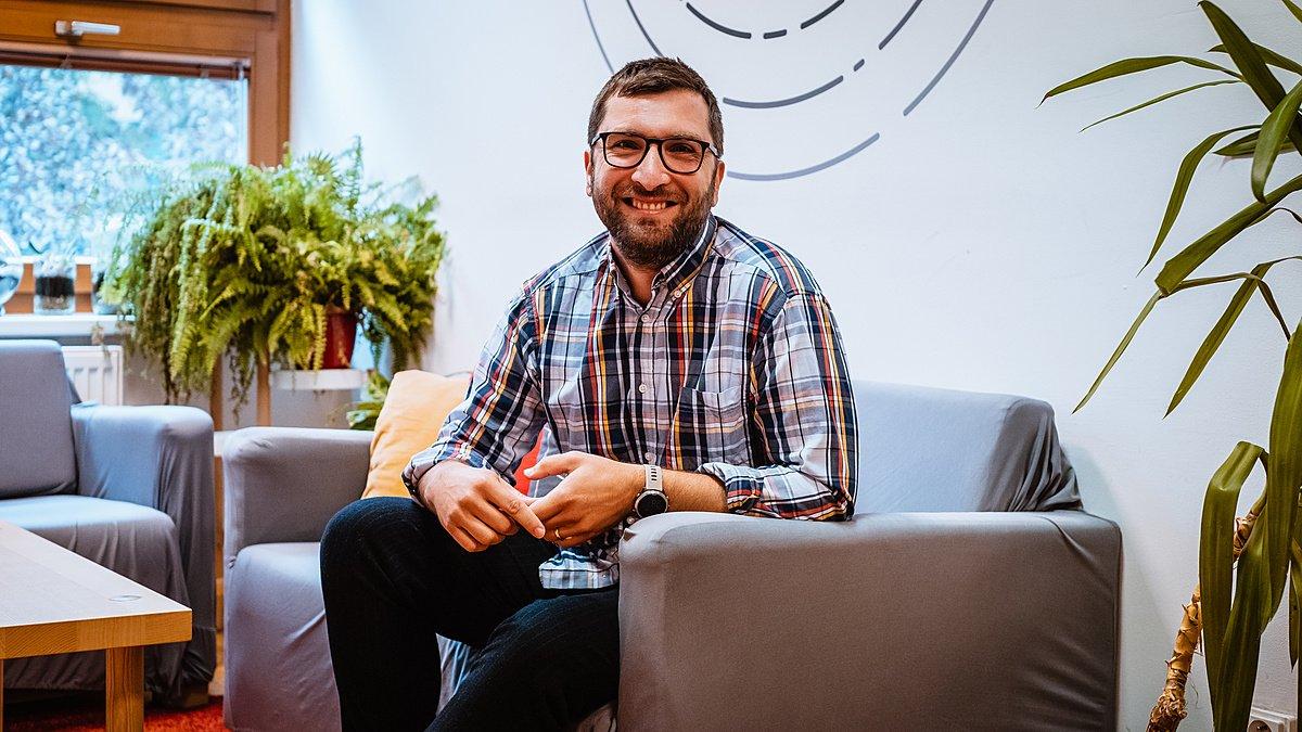Zoznámte sa: Norbert Maur, Senior programový manažér pre vzdelávanie   - Nadácia Pontis