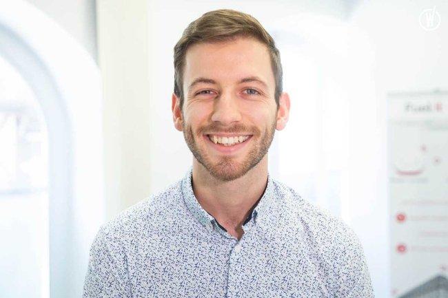 Rencontrez Simon, Chef de projet Hardware - 4! (Quatre Factorielle)