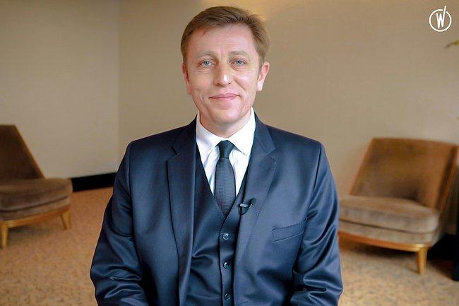 Rencontrez Pierre-Alexandre, Directeur de l'Etablissement - HOTEL DU COLLECTIONNEUR
