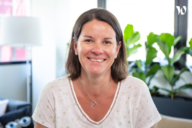 Meet Cécile, Smiling Customer Success Manager - Cedreo