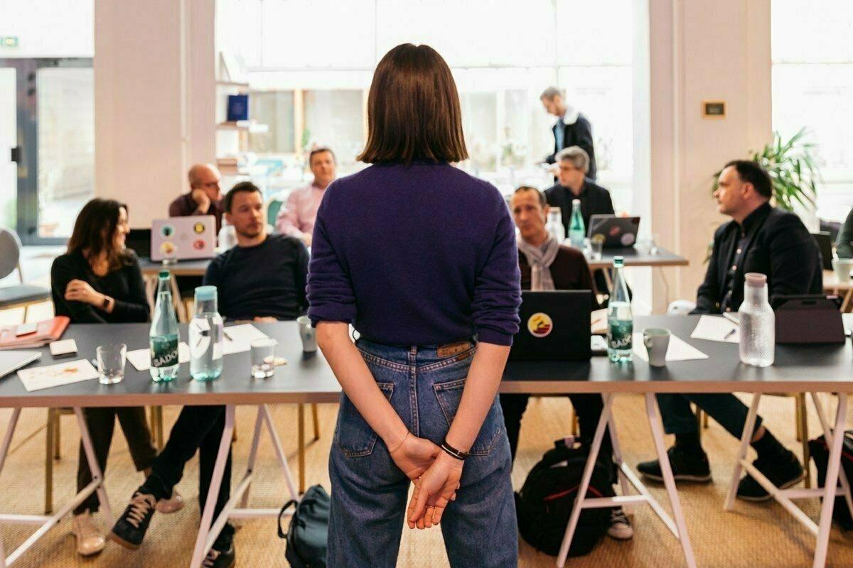 Jak dobře prodat svou práci bez vychloubání?