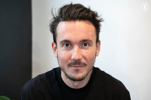 Meet Loris, Associate Creative Director - AKQA