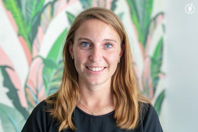 Rencontrez Julie, Chef de Projet - Sagarmatha  - Hopscotch Groupe