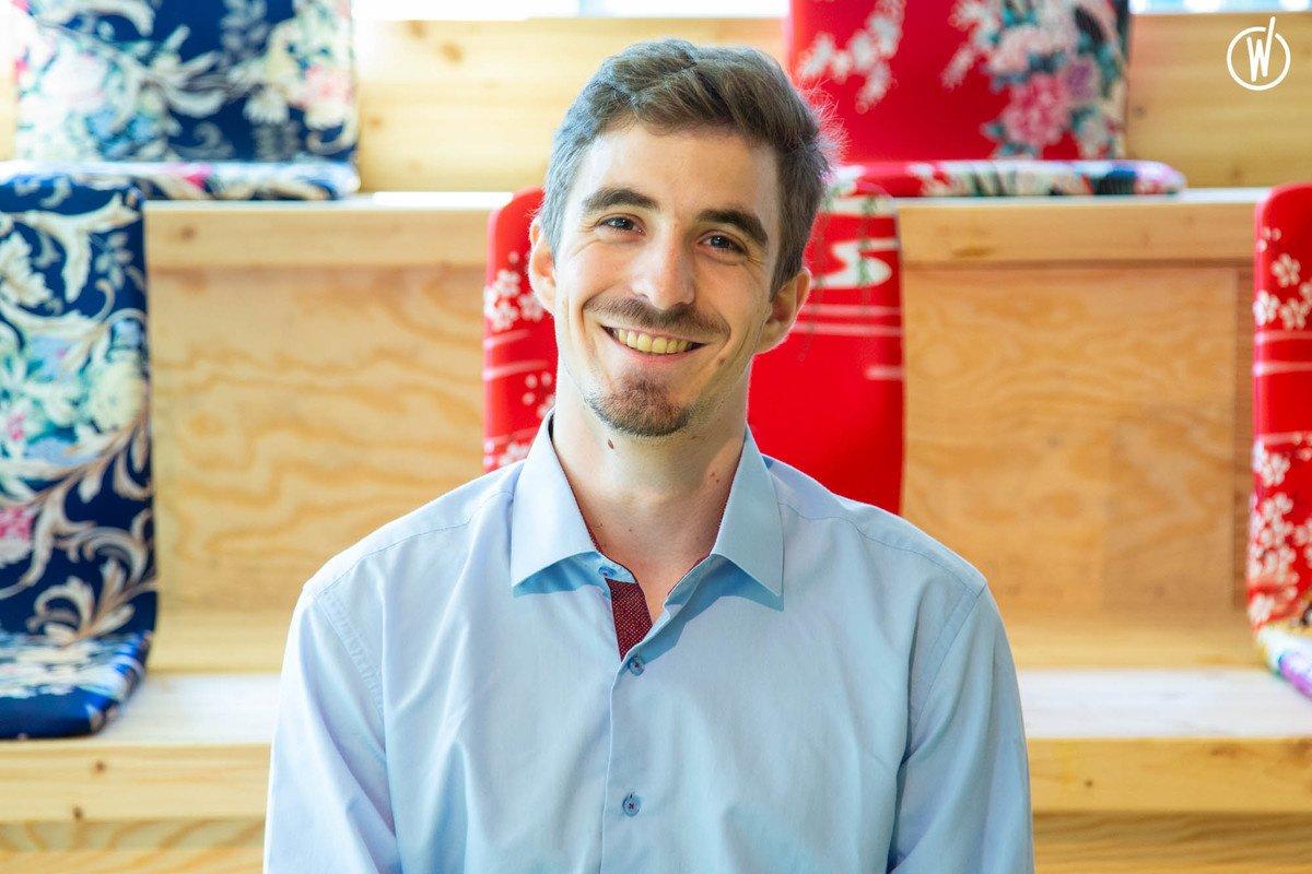 Rencontrez Antoine, Digital Marketing officer & Sales Community Builder - SalesRepublic